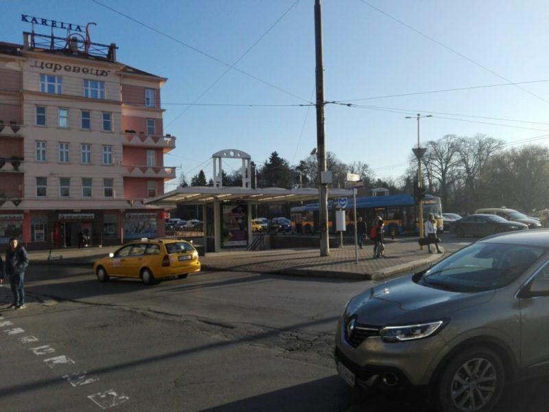 подлеза пред Царевец на Орлов мост в София